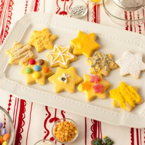 kids_christmas_cookies_