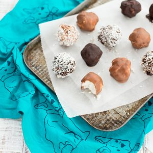 Coconut Balls, healthy bounty bars, treats for kids, kids cook club recipes